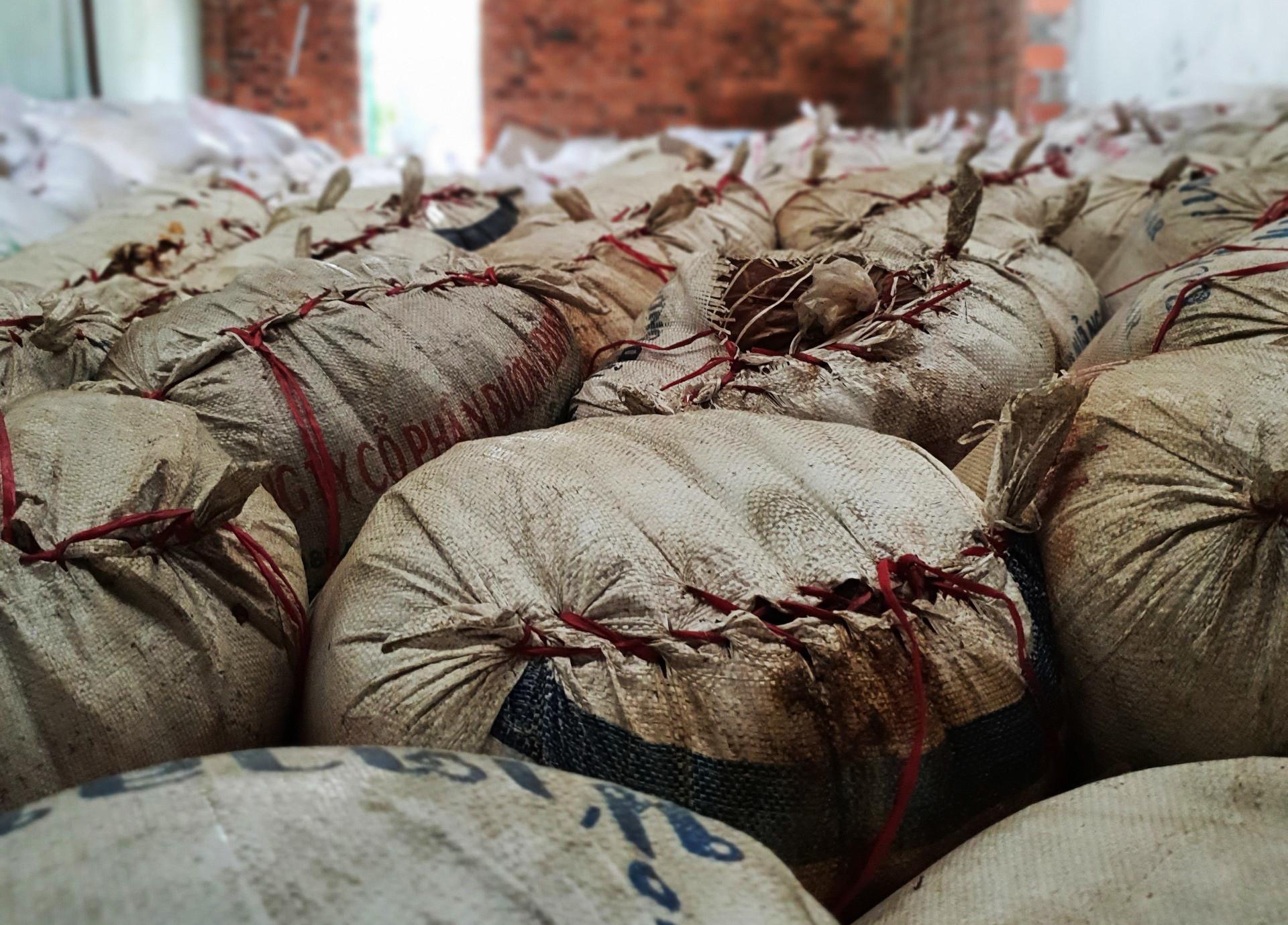 Phát hiện kho tương ớt bốc mùi chuẩn bị bán ra chợ ở Đà Nẵng