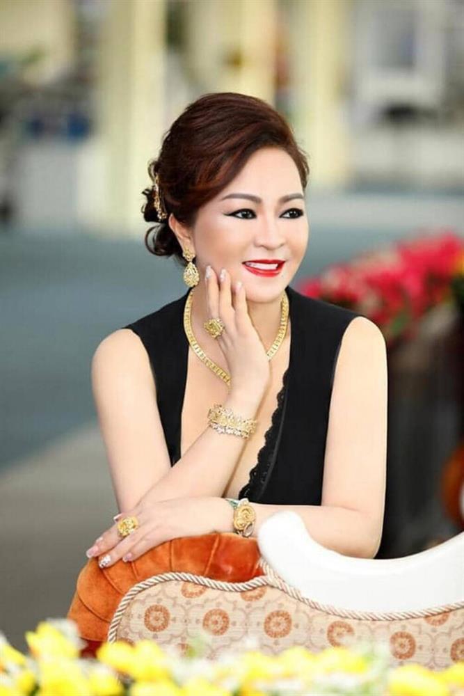 Bà Phương Hằng đeo nhẫn kim cương đôi với Hà Hồ, Lệ Quyên-2