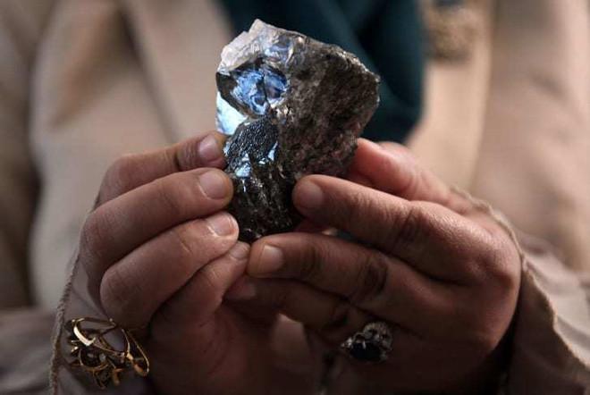 Phát hiện kim cương 1.174 carat - một trong những viên lớn nhất thế giới ở Botswana - Ảnh 1.