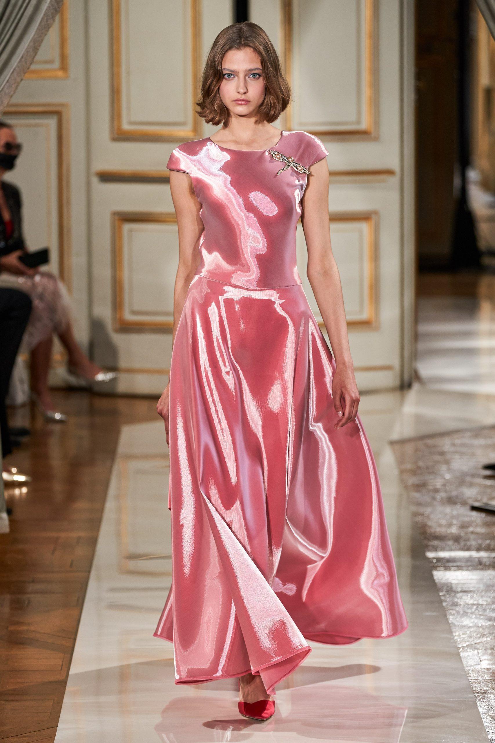 váy lụa organza hồng Armani Privé
