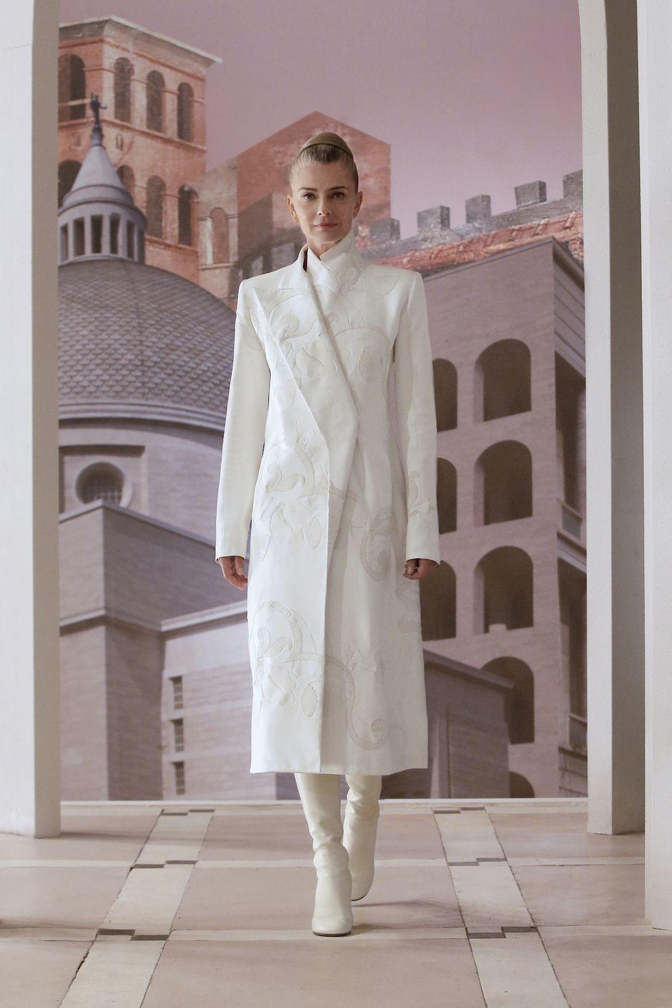 Fendi ra mắt bố sưu tập mới ca ngợi Rome, quê hương của nhà mốt - 5
