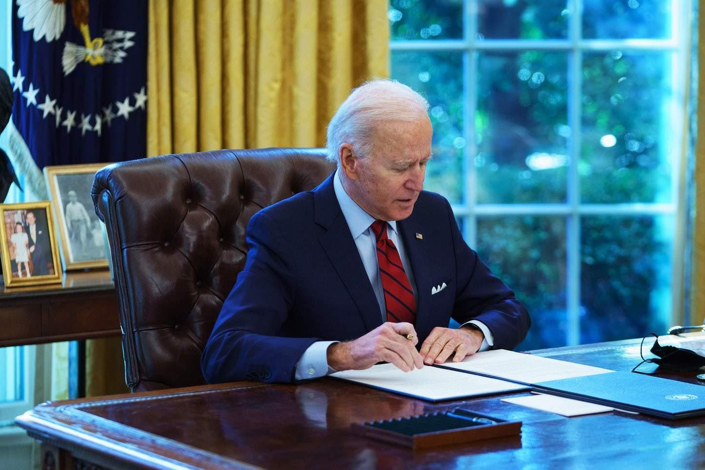 Tổng thống Joe Biden ký sắc lệnh trấn áp Big Tech