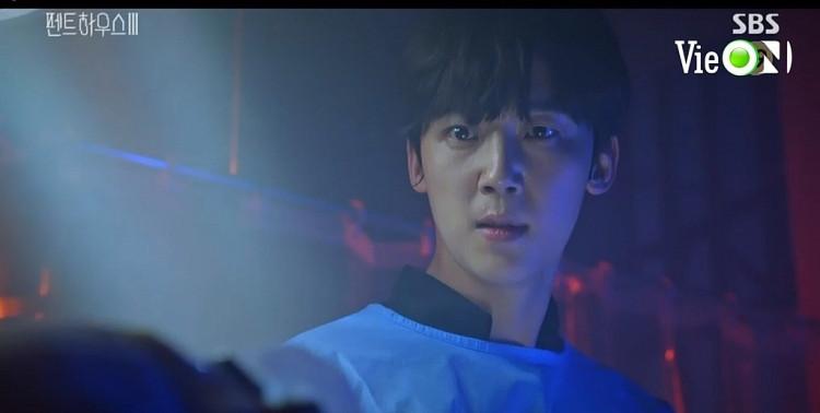 'Penthouse: Cuộc chiến thượng lưu 3' tập 6: Baek Jun Ki phản bội Logan Lee để bắt tay với Cheon Seo Jin