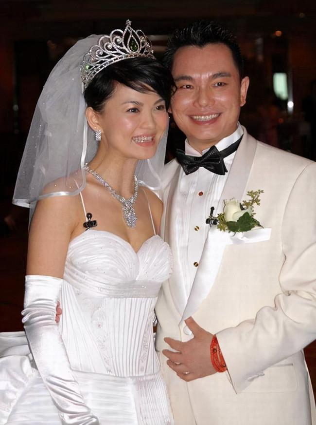 Thành công giật bạn trai, cô MC lên xe hoa với tỷ phú kim cương mới quen 33 ngày rồi nhận quả báo sớm, sau ly hôn choáng váng vì lời chồng cũ xỉa xói!-6