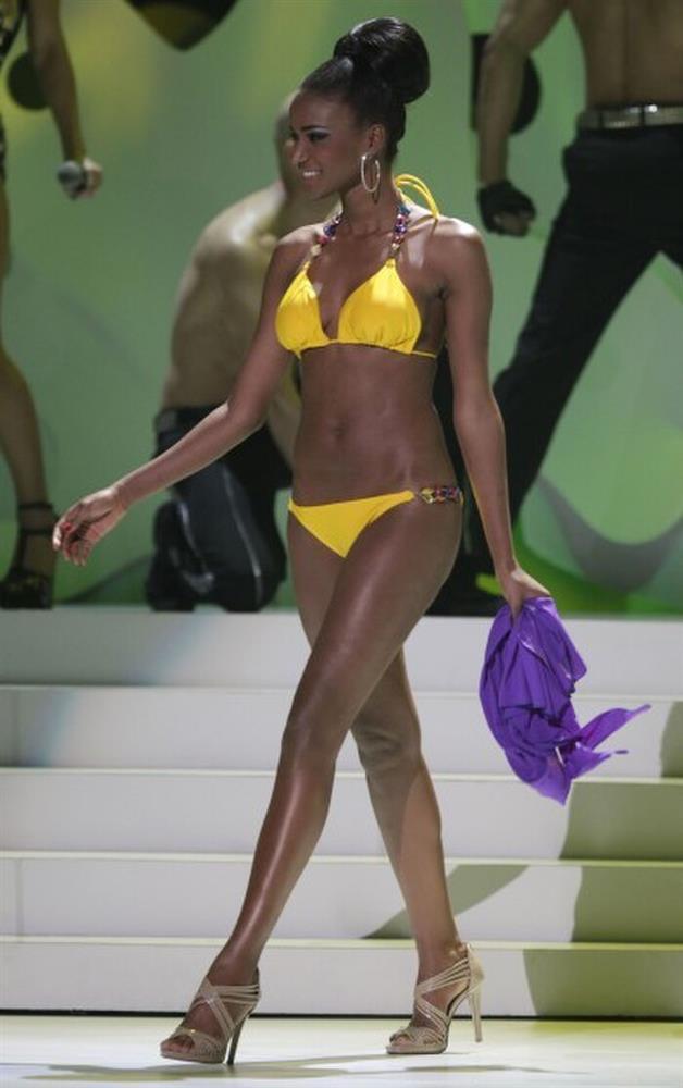 Số đo khác biệt của Miss Universe: Người lép kẹp, người chạm ngưỡng 1m-10