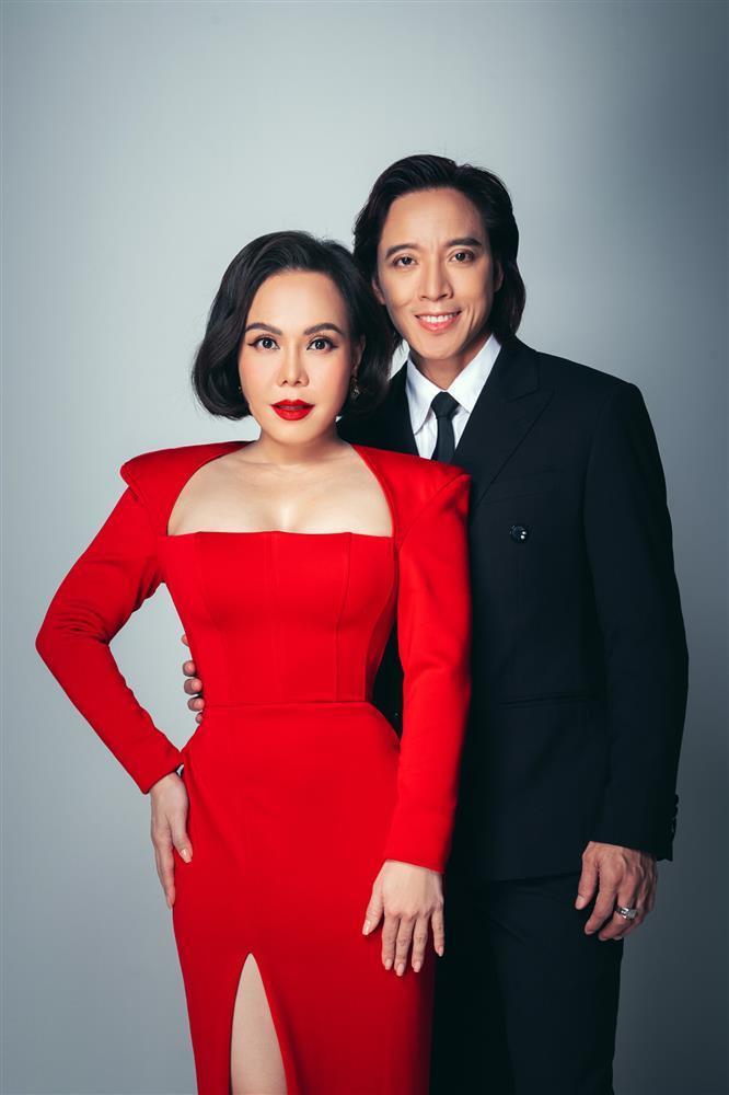 Việt Hương kỷ niệm 15 năm cưới, dân mạng soi đường cong nguy hiểm-4