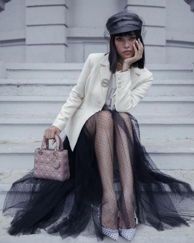 Hoa hậu Tiểu Vy mặc chiếc áo jacket huyền thoại của Dior, khoe thần thái chuẩn quốc tế - 8