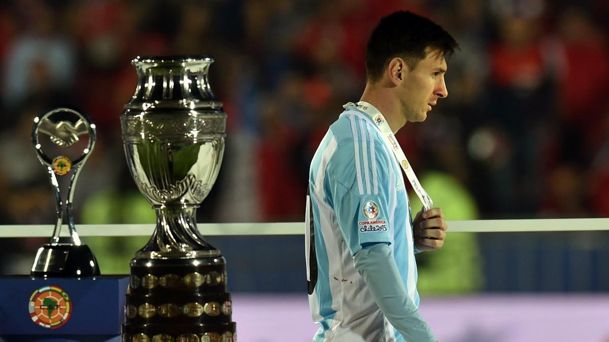 Những thất bại như thế này giờ chỉ còn là dĩ vãng với Messi. (Ảnh: Getty).