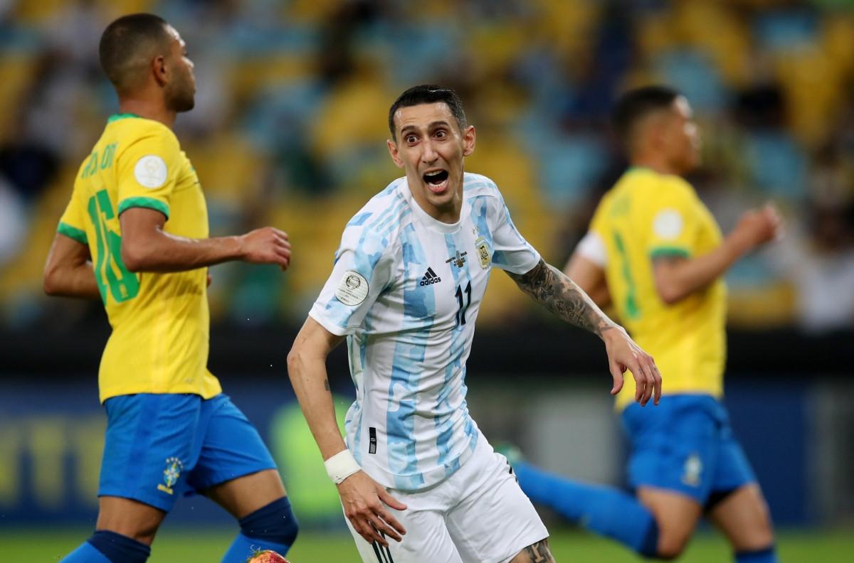 Di Maria ghi bàn đưa Argentina vượt lên dẫn trước. (Ảnh: Reuters).