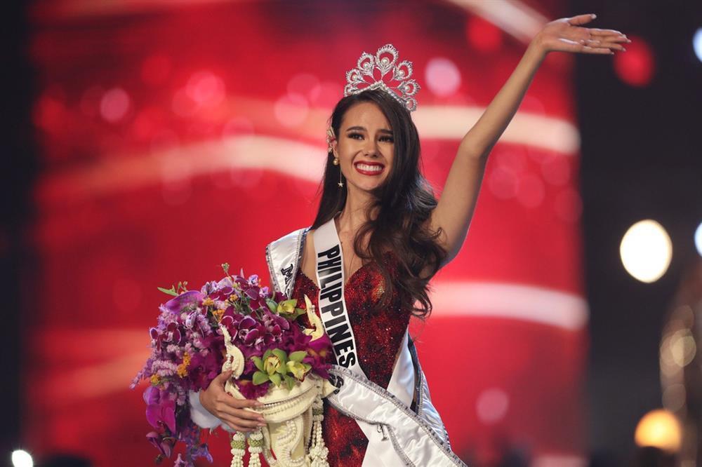 Hoa hậu Hoàn vũ tăng cân như... đô vật, 3 vòng thẳng đuột-13
