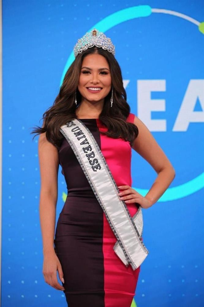 Hoa hậu Hoàn vũ Thế giới nhiều lần tự dìm dáng, tố nhược điểm đô vật-5