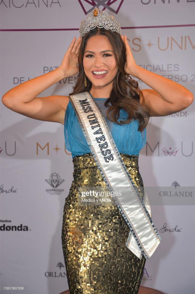 Hoa hậu Hoàn vũ Thế giới nhiều lần tự dìm dáng, tố nhược điểm đô vật-8