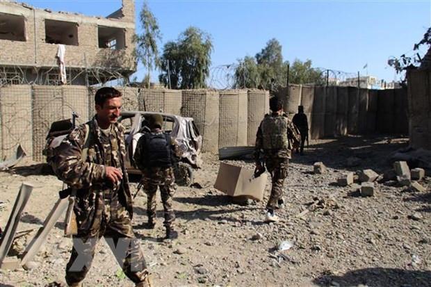 Afghanistan day lui cuoc tan cong cua Taliban o tbien gioi phia Bac hinh anh 1