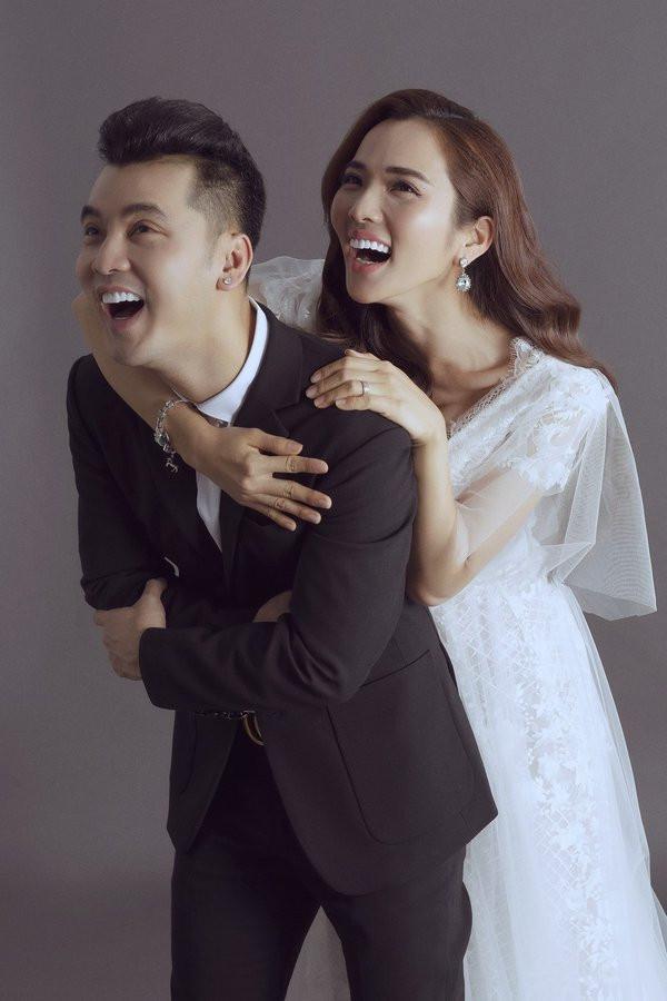 vợ chồng Ưng Hoàng Phúc