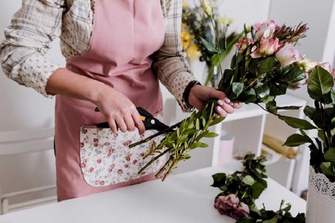 Mẹo dưỡng và chăm sóc hoa tươi lâu, bền màu - 2