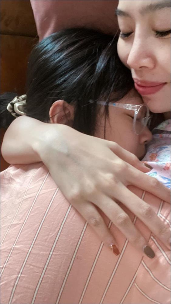Làm mẹ đơn thân như MC Diệp Chi thật ấm lòng, con gái không chỉ họcgiỏi mà cònngoan, tình cảm khiến ai cũng cảm động-3