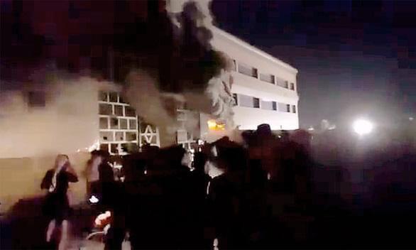 Iraq: Nổ bình oxy, cháy khu điều trị bệnh nhân Covid-19, hơn 110 người thương vong-2
