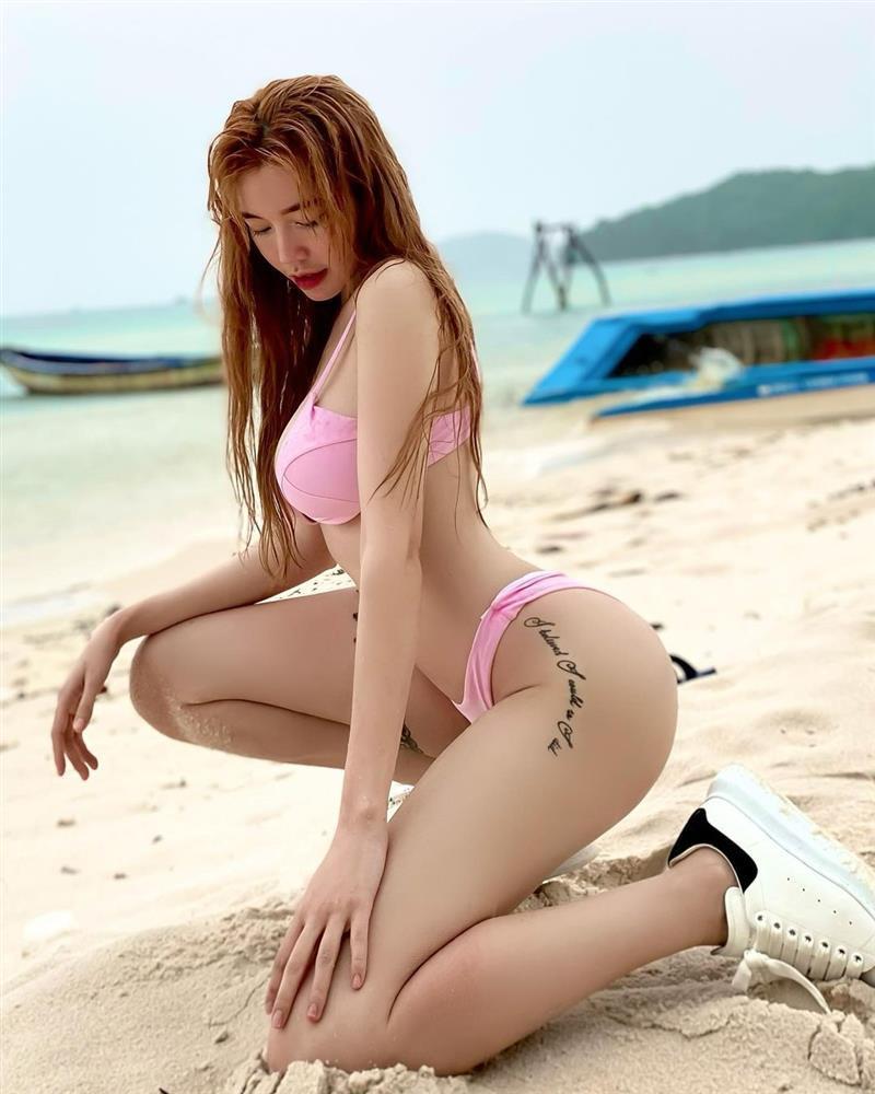 Elly Trần khiến người xem hết hồn với ảnh bikini như muốn khỏa thân-7