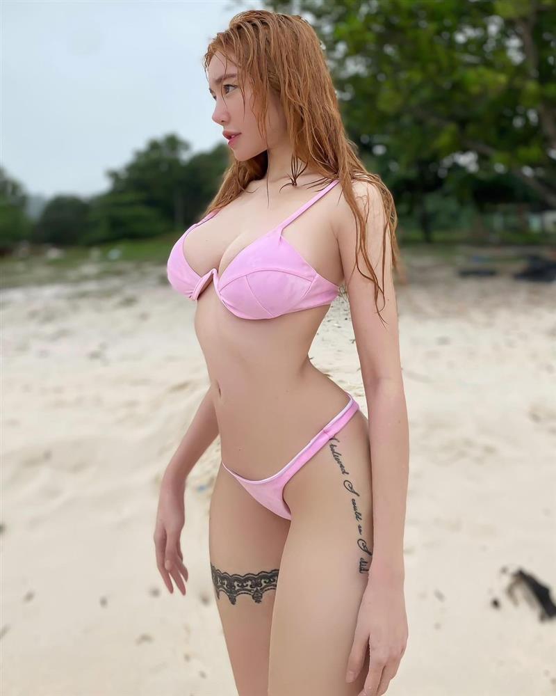 Elly Trần khiến người xem hết hồn với ảnh bikini như muốn khỏa thân-3