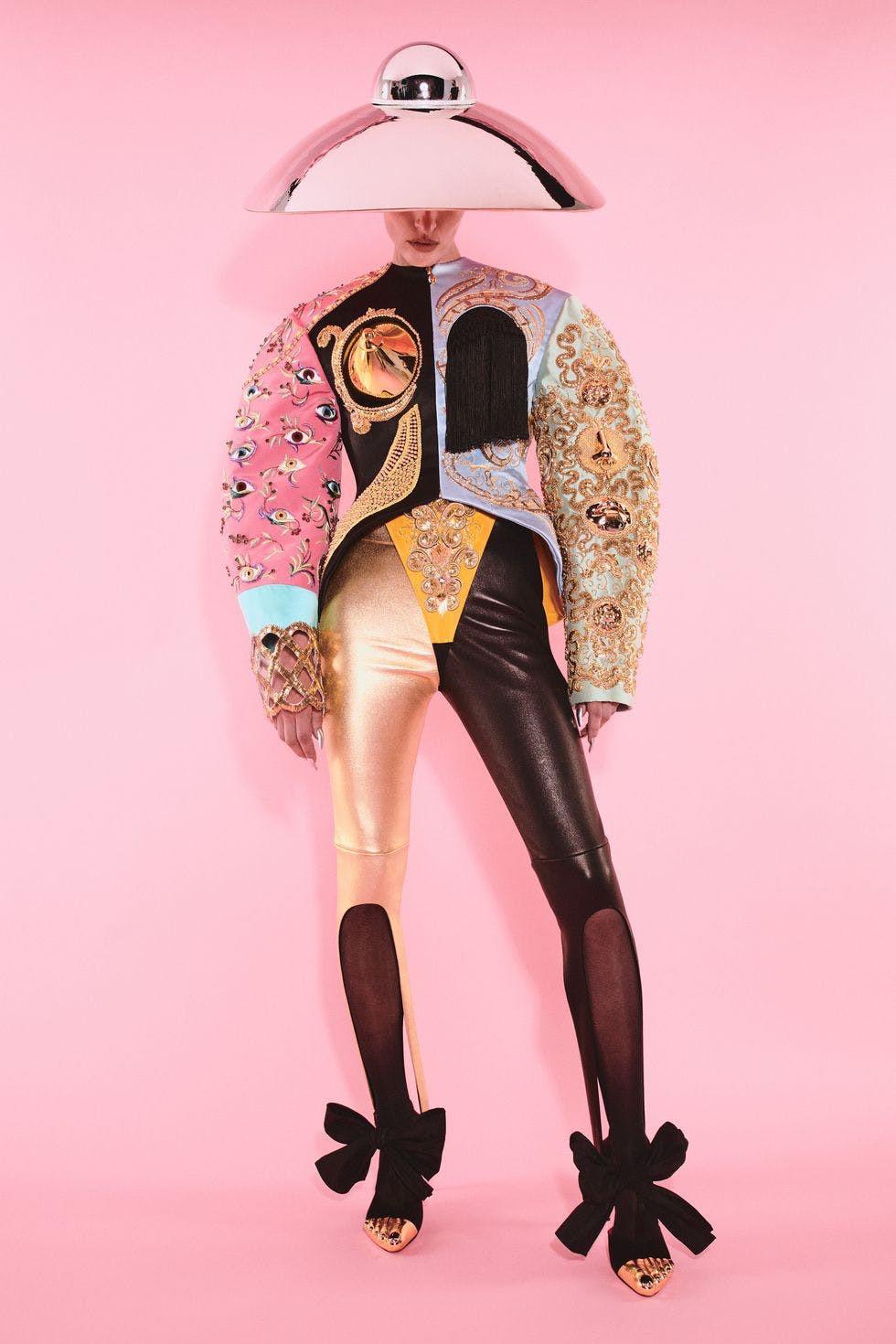 Sự trở lại của Haute Couture lộng lẫy trên sàn catwalk thời trang thế giới 2021 - 5