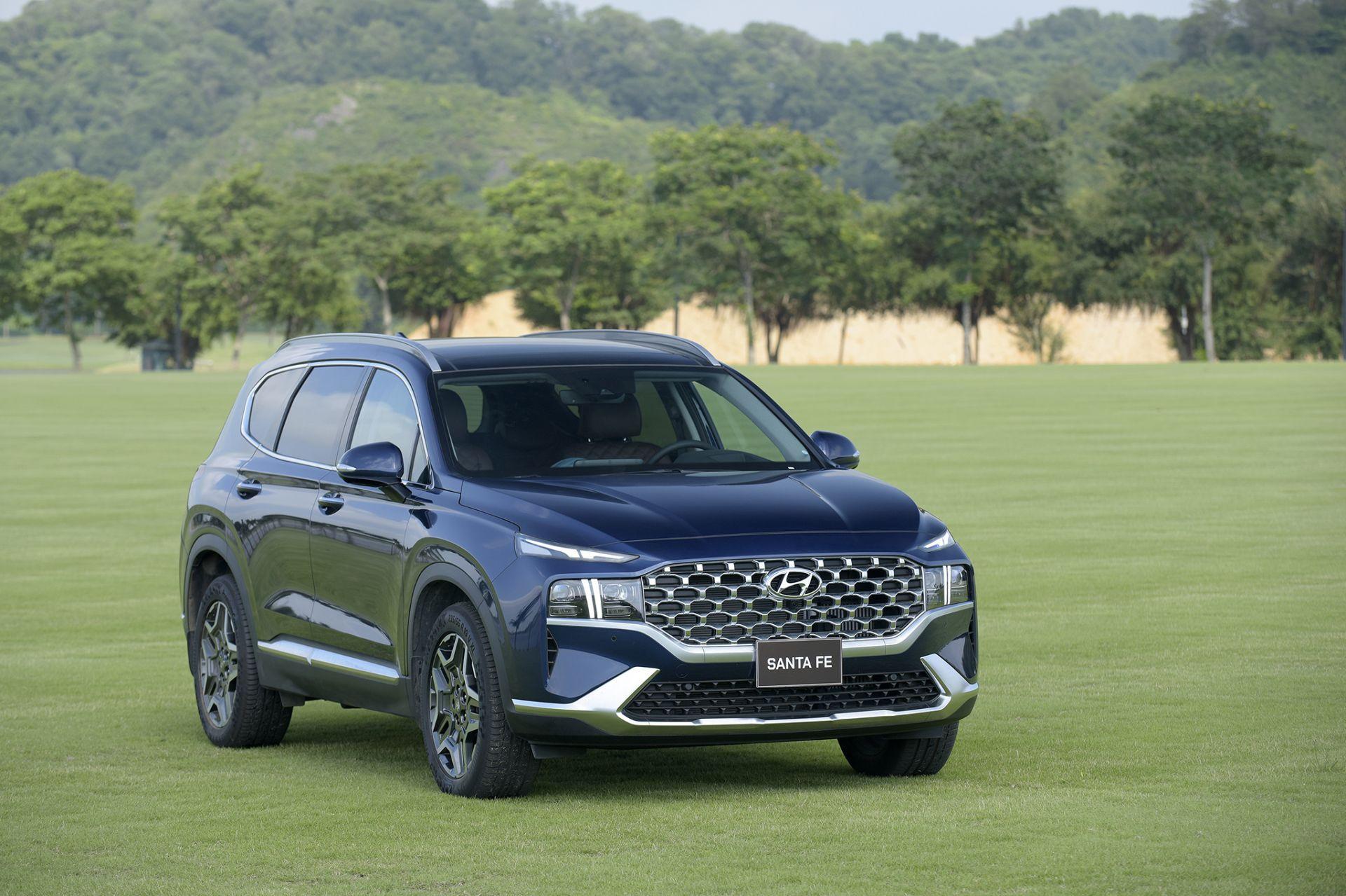 Hyundai Santa Fe 2021 có doanh số cao trong tháng 6/2021
