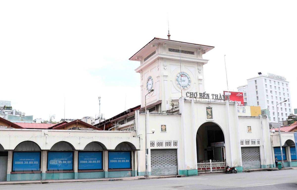 Chợ Bến Thành, quận 1 đã đóng cửa theo tinh thần Chỉ thị số 16/CT-TTg. (Ảnh: Xuân Khu-TTXVN)