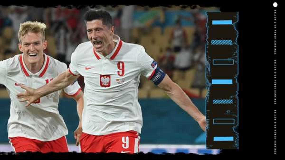 2. Robert Lewandowski (Bayern Munich) | Thành tích trong năm 2021: 34 bàn thắng, 4 kiến tạo. Vô địch Bundesliga & Club World Cup.