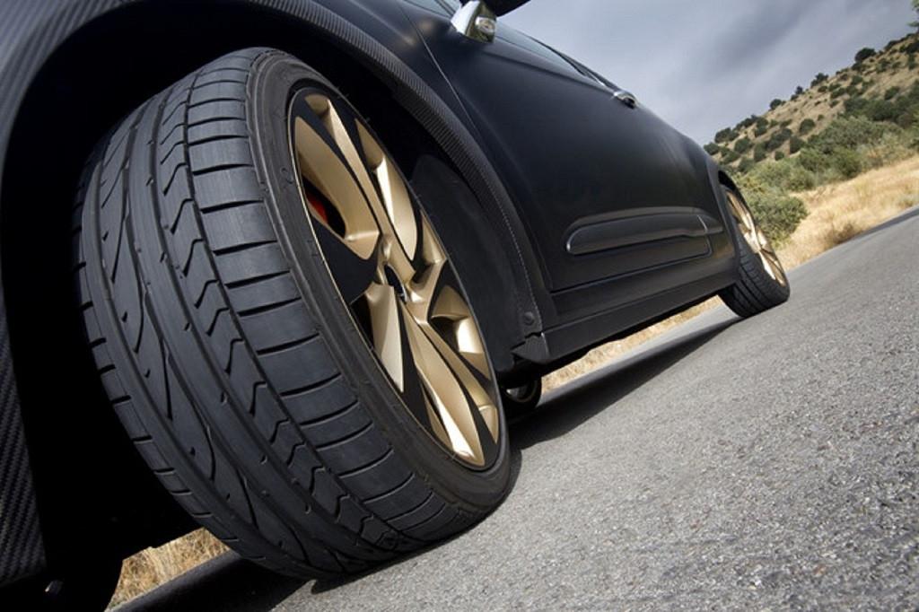 tốc độ của lốp xe