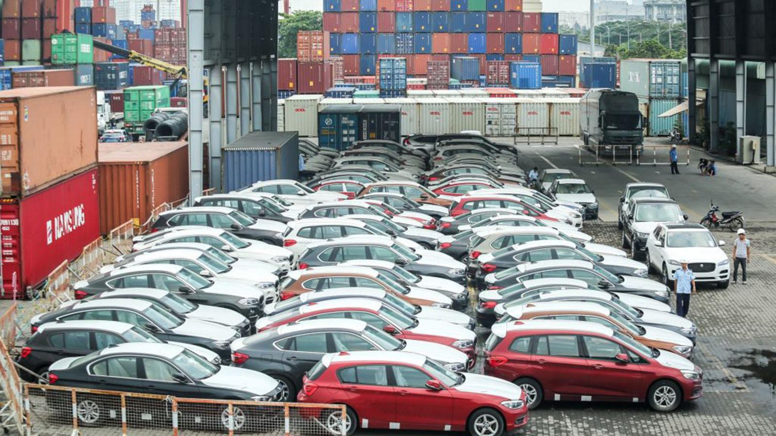 Lượng xe nhập khẩu vào Việt Nam