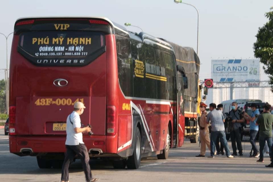 Không đủ điều kiện vào Hà Nội, 23 ô tô phải quay đầu trên cao tốc