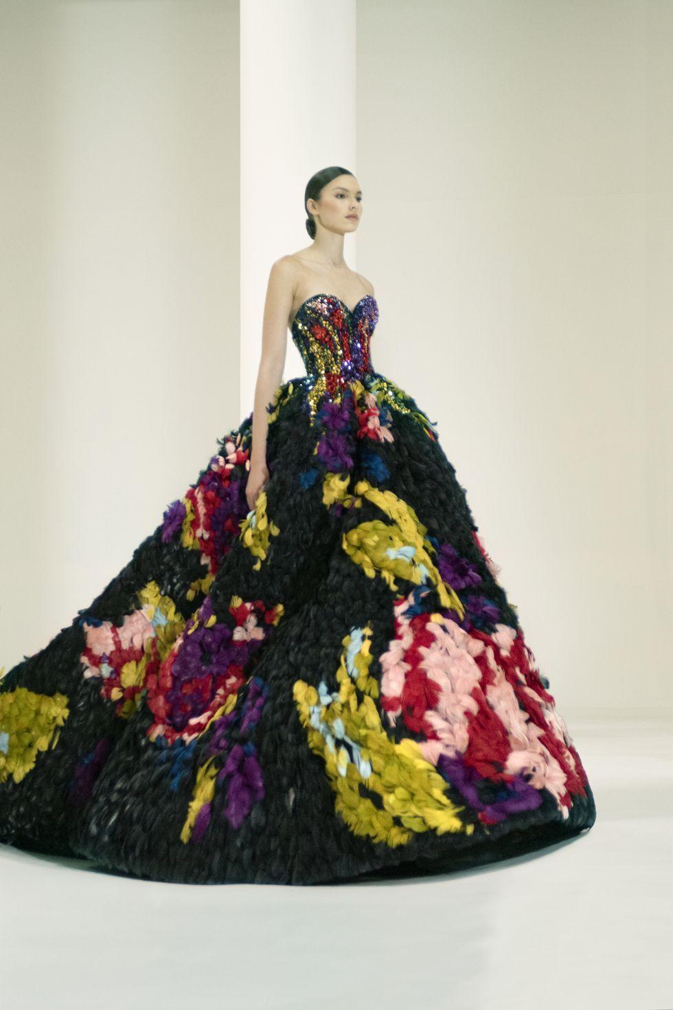 Nhưng xu hướng lớn nhất trong tuần lễ thời trang xa xỉ Haute couture Paris - 7