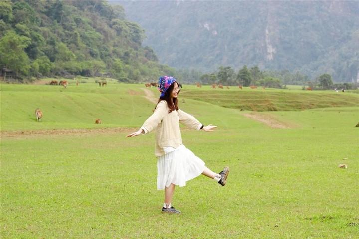 Gần Hà Nội có một thảo nguyên đổi cảnh theo mùa, xách ba lô đi ngay khi hết dịch - 9