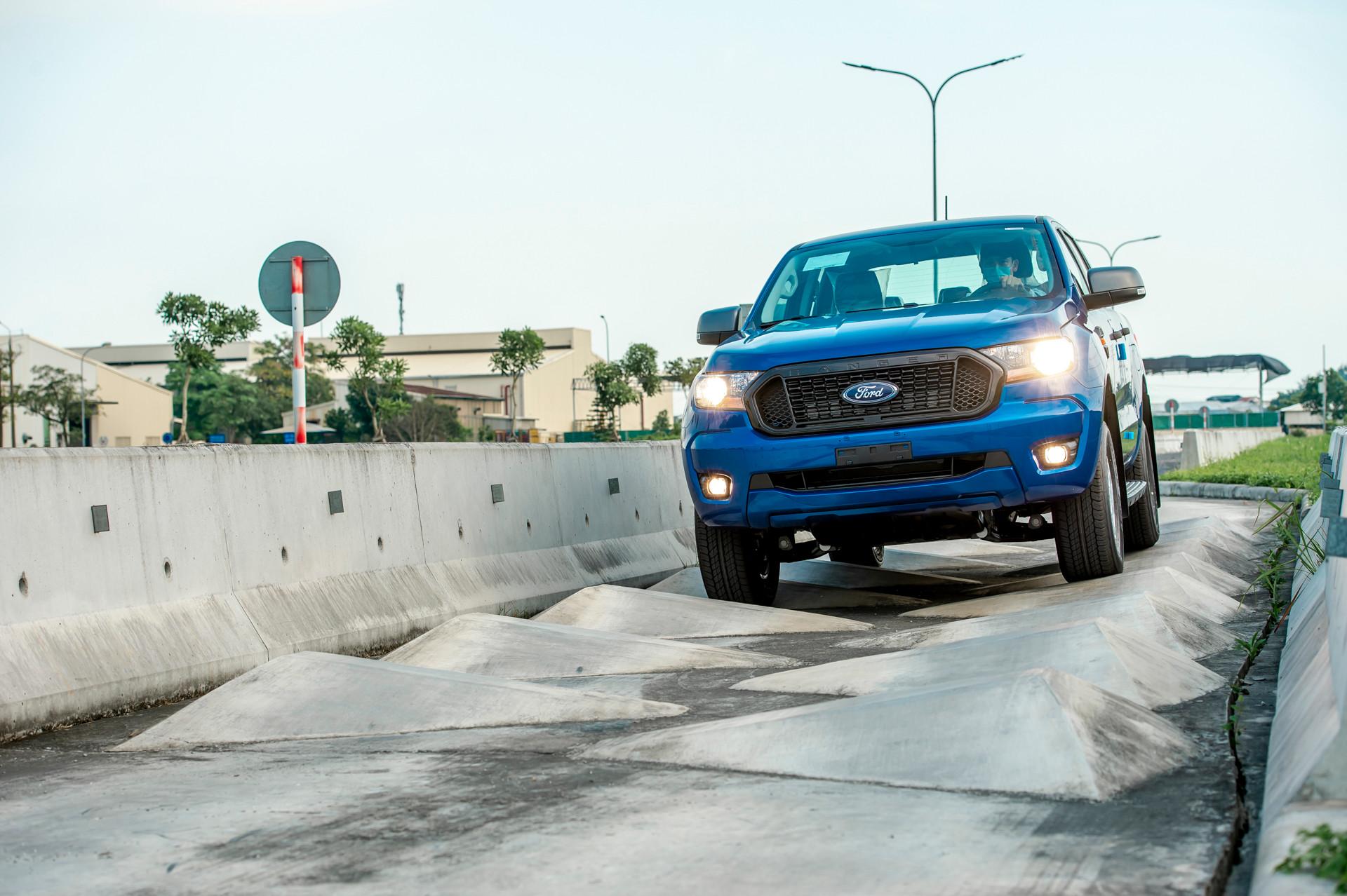 Ford Ranger lắp ráp trên đường thử tại nhà máy