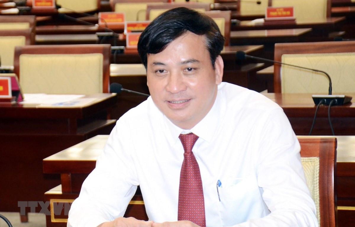 Ông Lê Hòa Bình, Ủy viên Ban Thường vụ Thành ủy, Giám đốc Sở Xây dựng Thành phố Hồ Chí Minh được phê chuẩn giữ chức Phó Chủ tịch Ủy ban nhân dân Thành phố Hồ Chí Minh. (Ảnh: Xuân Khu/TTXVN)