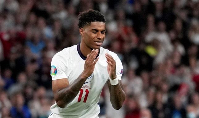 Phân biệt chủng tộc, CĐV sẽ bị cấm vào sân xem Ngoại hạng Anh - 1