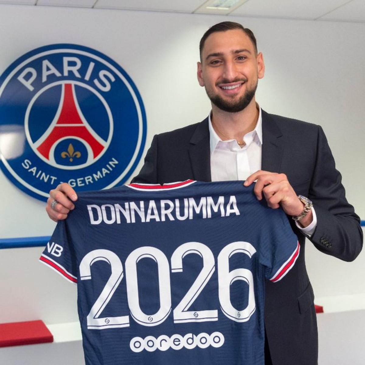 Donnarumma chính thức gia nhập PSG. (Ảnh: Getty)