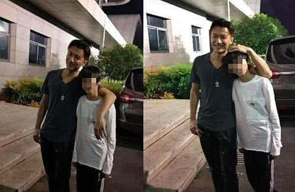 Tạ Đình Phong bị chỉ trích vì lấy ô che mưa cho rau-2