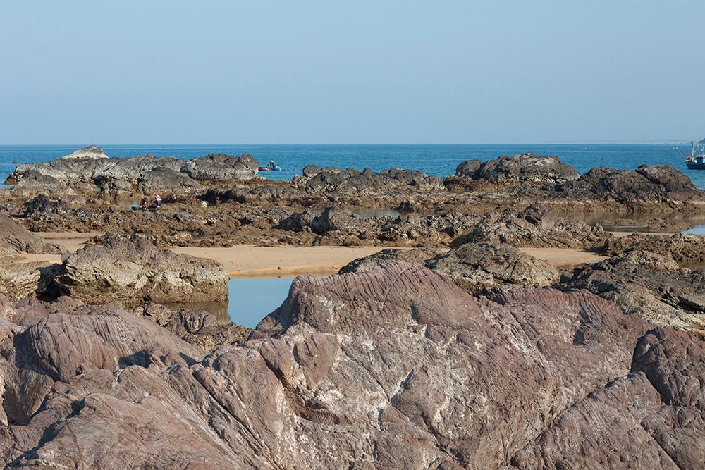 Ấn tượng gành đá Lộ Diêu với nhiều khối đá hình thù kỳ lạ - 2