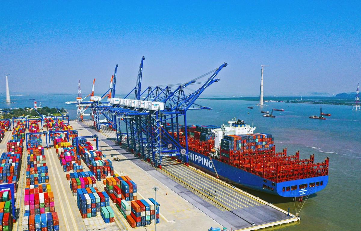 Các container hàng hóa tại Cảng Quốc tế Lạch Huyện tại Hải Phòng. (Ảnh: Đức Nghĩa/TTXVN)