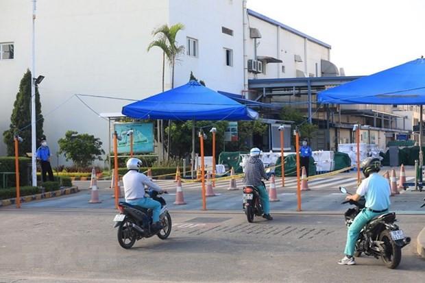 """Tay Ninh tam dung hoat dong 6 DN khong bao dam dieu kien """"3 tai cho"""