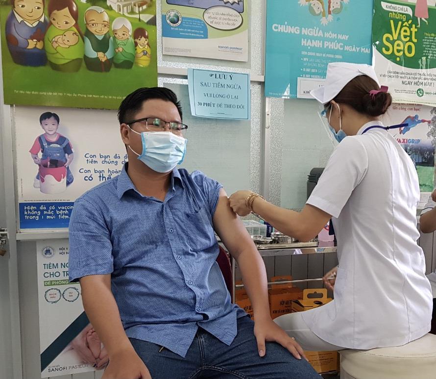 Cần Thơ xin bổ sung khẩn 1 triệu liều vaccine COVID-19 - 1