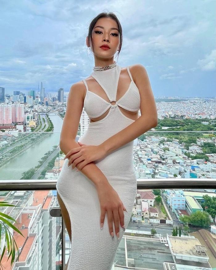 Sao Việt chạy theo trào lưu mặc váy thủng lỗ-1