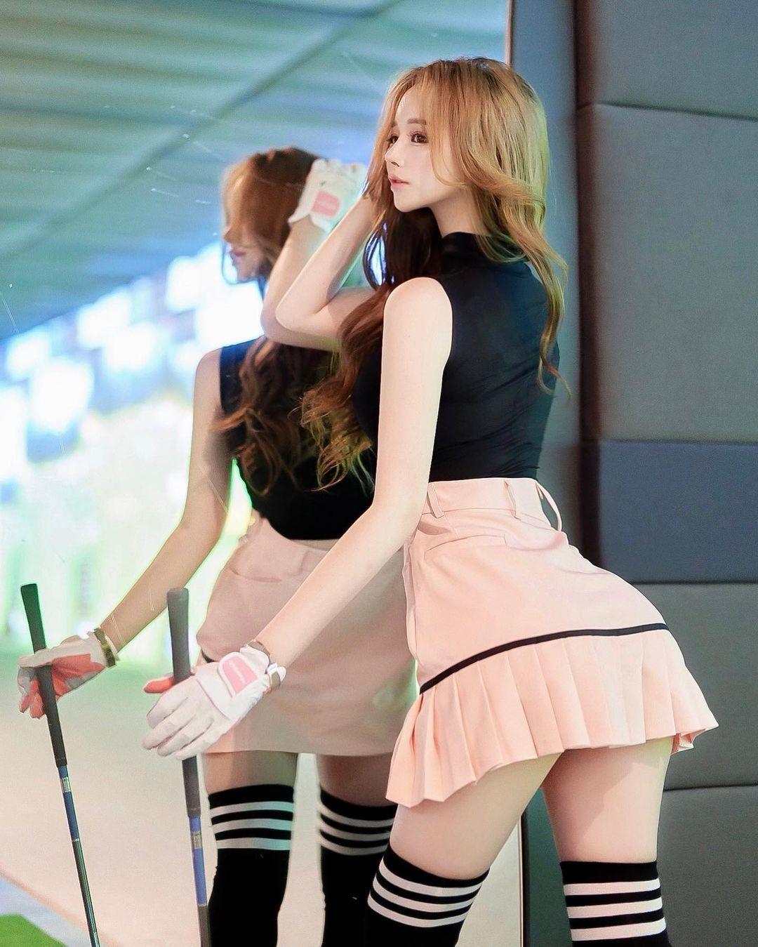 Người đẹp Tangle Mimi gây hoang mang vì chiếc váy mặc khi chơi golf - 5
