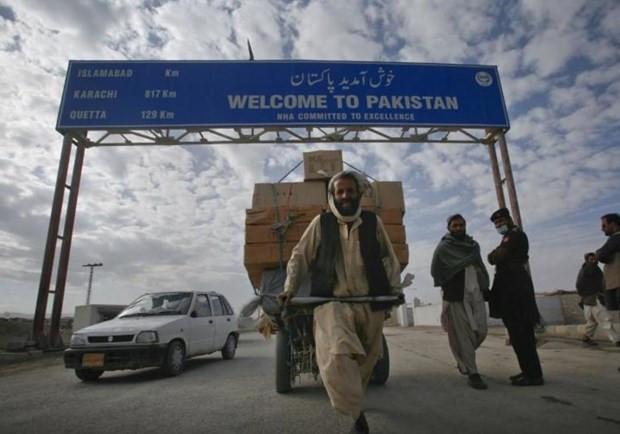 Pakistan mo tro lai mot cua khau voi Afghanistan vi ly do nhan dao hinh anh 1
