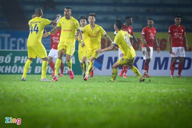 V-League hoãn sang năm 2022 và những hệ lụy với các câu lạc bộ - 1