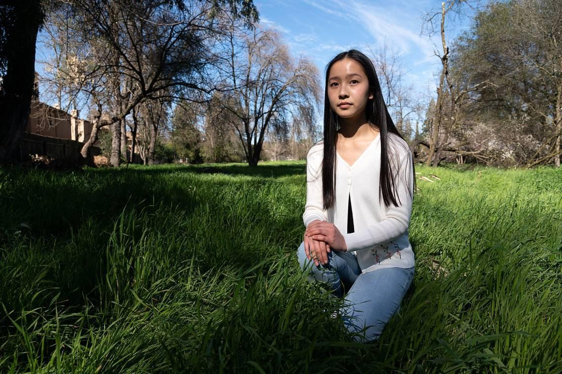 Cô sinh viên gốc Việt 18 tuổi, được vinh danh Nhà thơ trẻ quốc gia 2021 tại Mỹ - 1
