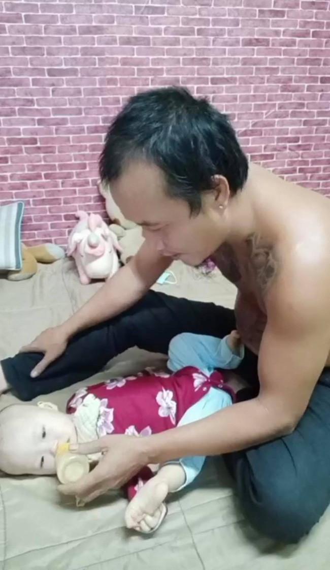 Anh Minh bán rau rơi nước mắt nói về con gái út: Nếu có một điều ước, chỉ ước con bé có thể ở với vợ chồng tôi thật lâu-5