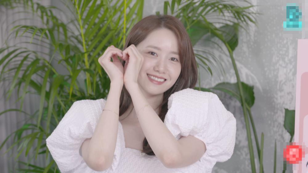 Jennie, Lisa đụng váy tiểu thư với Yoona, Âu Dương Na Na: Ai đẹp hơn?-5