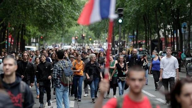 Phap: Bieu tinh lon o Paris phan doi