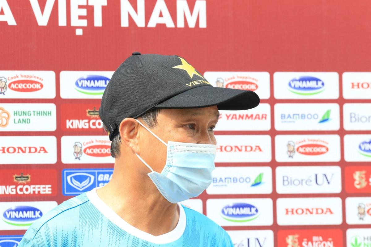HLV Mai Đức Chung và ĐT nữ Việt Nam đặt mục tiêu vào VCK giải bóng đá nữ châu Á 2022